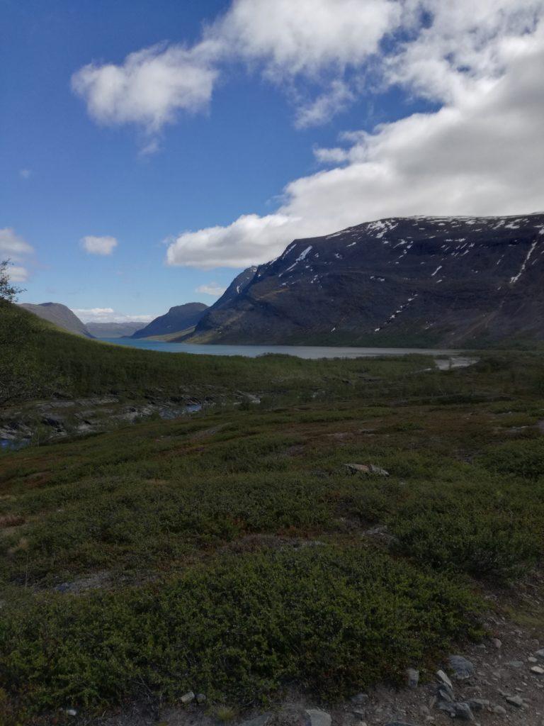 Uitzicht op één van de vele meren in Lapland