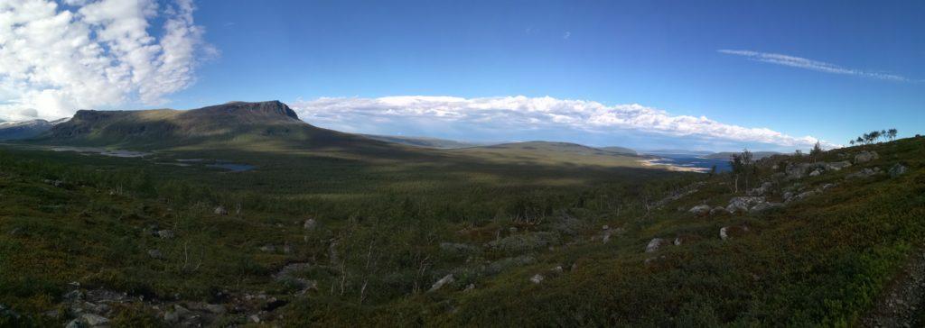 Panorama-foto na de eerste kilomters door het Sarek Nationaal Park