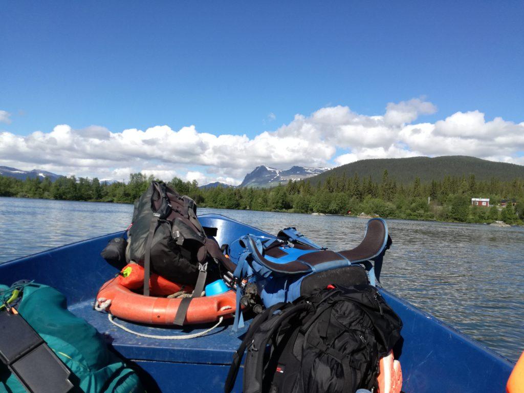 Oversteken in de boot vanaf Kvikkjokk